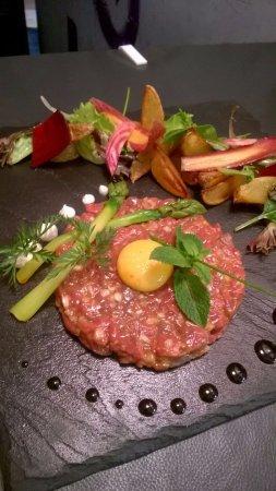 Tartare de bœuf coupé au couteau