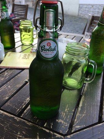 Kaja Tanya : csatos söröcske, egyedi korsókkal