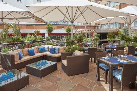 Jumeirah Lowndes Hotel: Al fresco dining on The Terrace