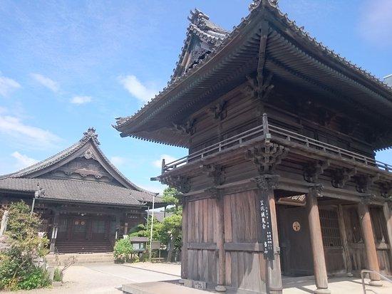 Hekinan, Japan: 立派な山門