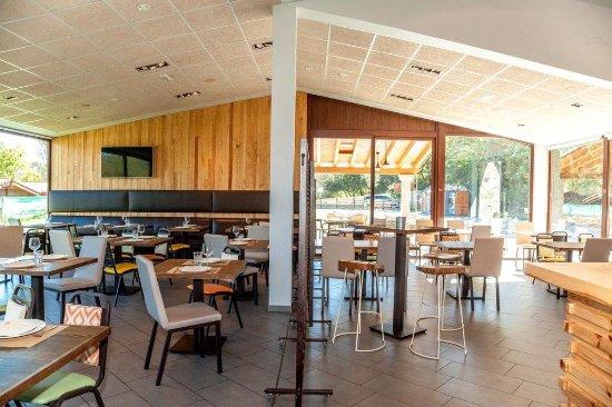 imagen Taxus restaurant at Camping Fuentes Carrionas en Cervera de Pisuerga