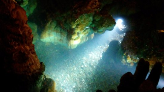 Luray Caverns: Underground water/wishing well