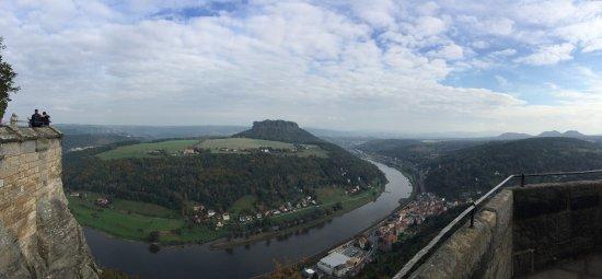 Koenigstein, Germany: Вид на изгиб Эльбы