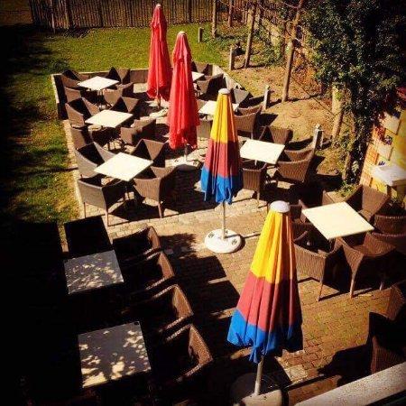 Houthalen, Bélgica: Café Buitenland