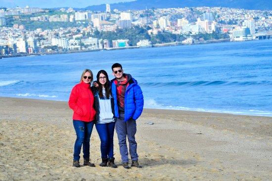 Viña del Mar, Chile: De fondo Valparaiso