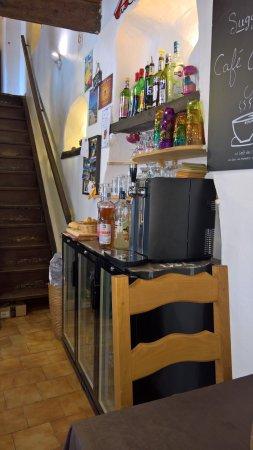 Banon, Fransa: le petit coin de la rampe d'escalier