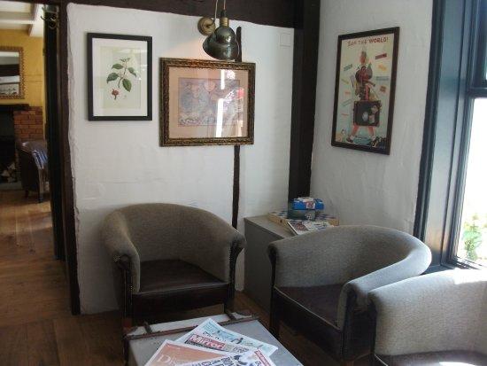 Horndean, UK: Lounge bar area