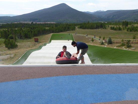 Snow Mountain Ranch: Tubing slope