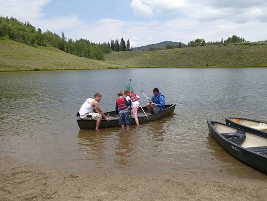 Snow Mountain Ranch: Canoeing