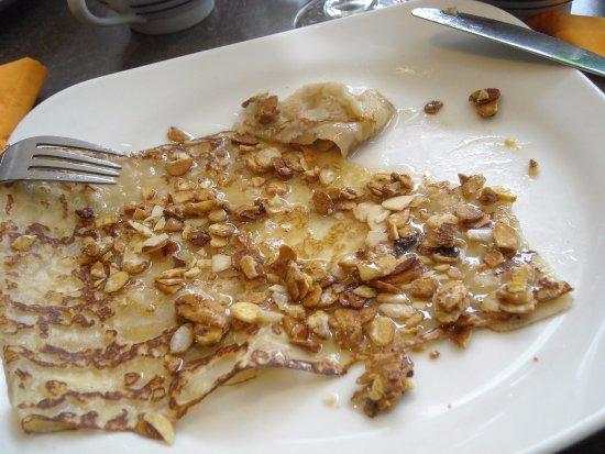 Restaurant Anne de Bretagne: crêpe miel d'acacias/amandes grillées (après début de dégustation)