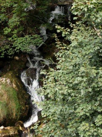 Thones, Prancis: Cascade du Nant Debout
