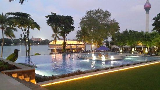 Cinnamon Lakeside Colombo: 20170831_183354_large.jpg