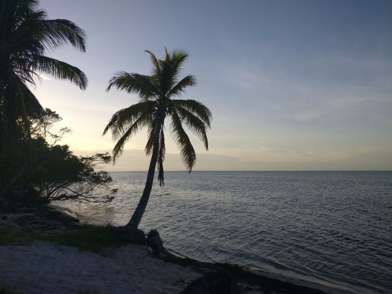 Long Caye, Belize: panorama dalla piaggia