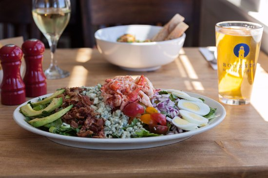 Kittery, ME:  Enjoy a complete lunch at Robert's
