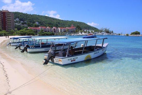 Ocho Rios Bay Beach: BOAT RIDES