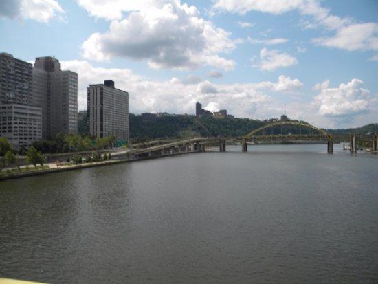Roberto Clemente Bridge (Sixth Street Bridge): View from the bridge