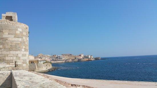 Castello Maniace: vista panoramica su ortigia