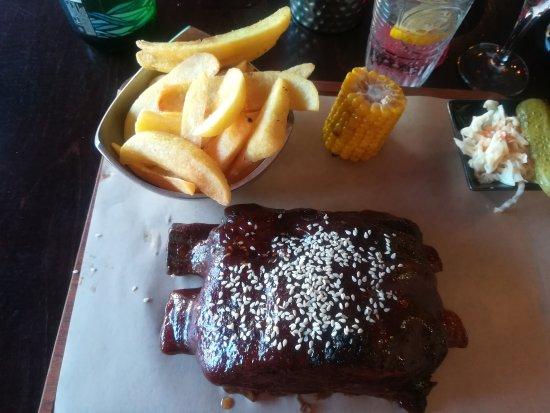Memphis Bbq Grill Το καλυτερο Steak House μακράν