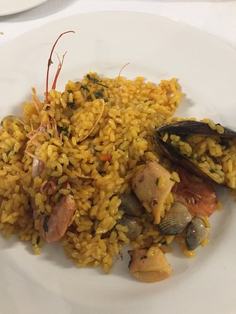 Sabino: Paella bem confeccionada.
