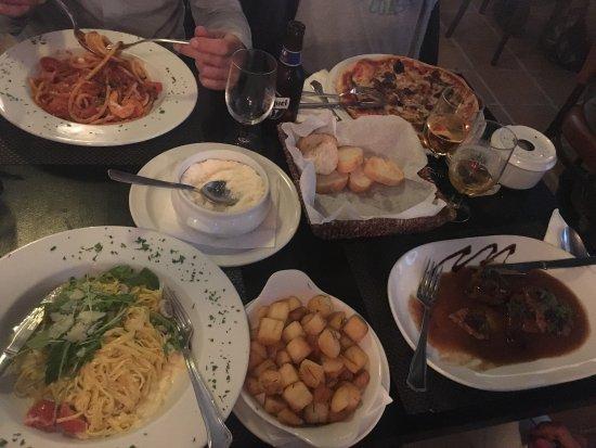 Pasta factory puerto jose banus restaurant bewertungen - Zoom pizza puerto banus ...