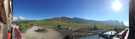 Aussicht Vom Balkon Bild Von Alpenhotel Panorama Seiser Alm