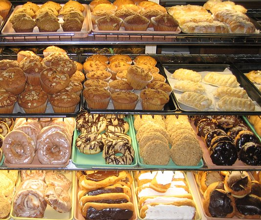 Cadillac, MI: Donuts and Pastries Baked Fresh Each Morning!