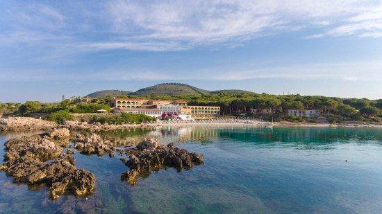 Vista panoramica piscina e spiaggia Hotel dei Pini Alghero - Picture of Hotel dei Pini, Sardinia - Tripadvisor