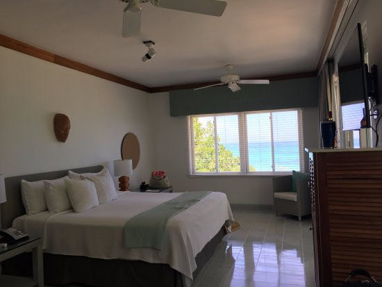 Couples Negril: Bedroom 1301