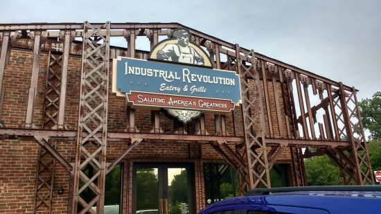 Industrial Revolution Eatery & Grille: Entrance to Industrial Revolution