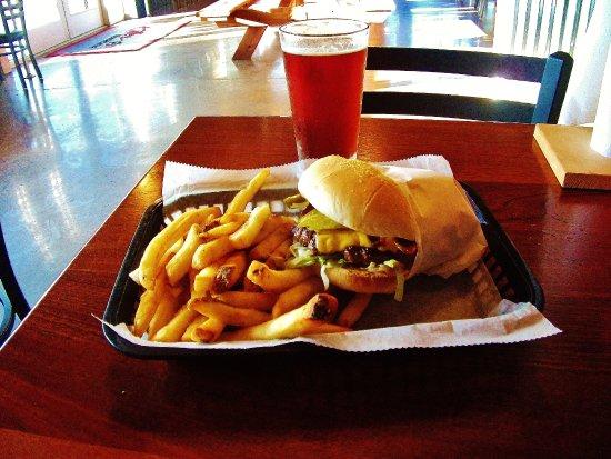 Gresham, OR: Classic Burger