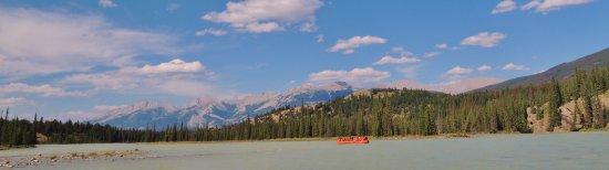 Jasper Raft Tours: River Scenery
