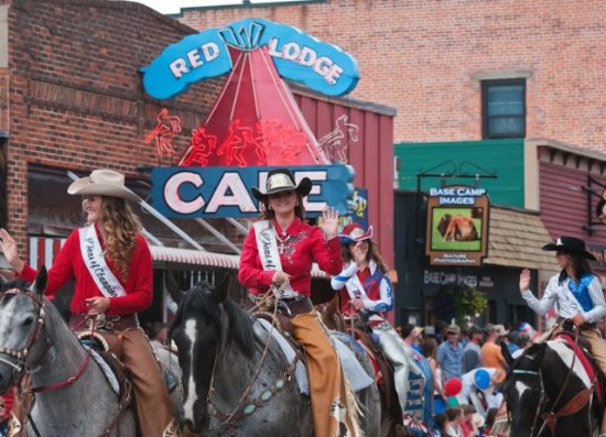 Red Lodge, MT: Home of Champions Rodeo Parade.