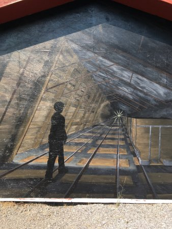 Crowsnest Pass, Canada: Painting of the mine shaft