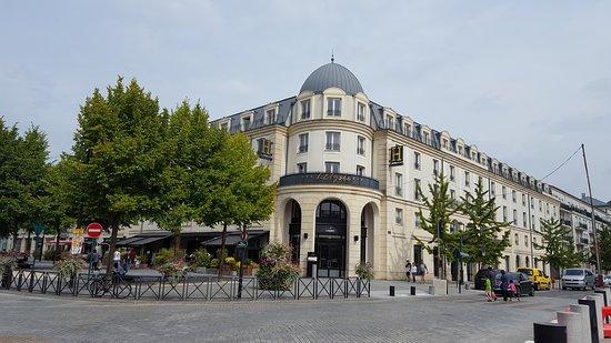 Hôtel l'Elysee Val d'Europe : 20170830_123742_large.jpg