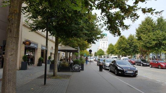 Hôtel l'Elysee Val d'Europe : 20170830_123825_large.jpg
