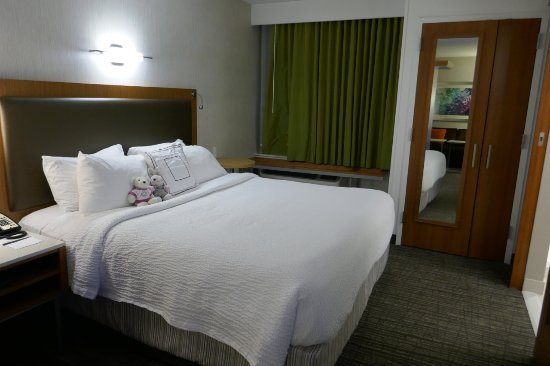 Comfortable bed picture of springhill suites carle place garden city carle place tripadvisor for Springhill suites carle place garden city