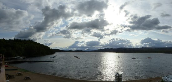 Loch Insh Watersports: Evening view from the Restaurant balcony