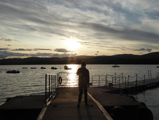 Loch Insh Watersports: A lovely place for a stroll after a delicious meal.