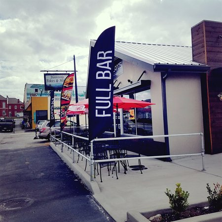 Copeland S Burgers Southern Eats Patio Seating And Dog Friendly