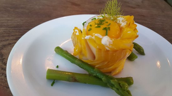 The Bird in Hand: Smoked Haddock parcel with cream cheese and chive, on a bed of asparagus