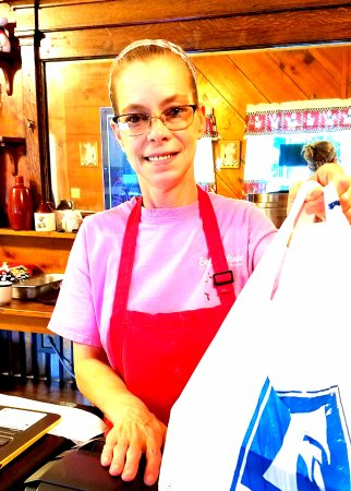Oliver Springs, เทนเนสซี: Very friendly service with my carryout ready to go