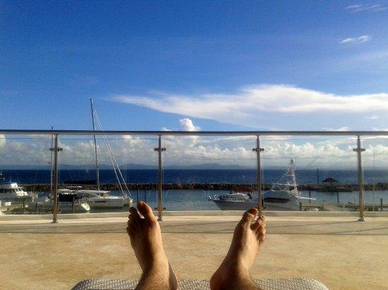 The Bannister Hotel & Yacht Club: Chilling en la piscina...
