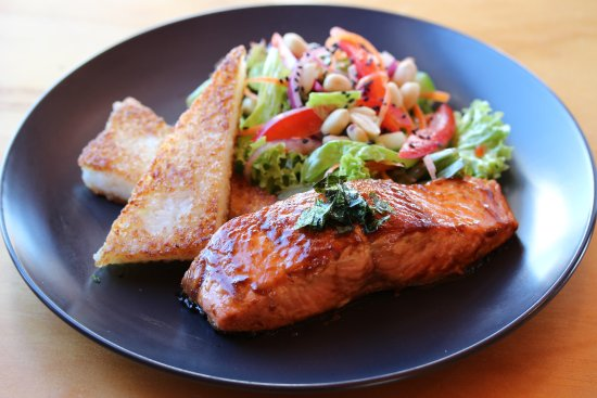 Twizel, Nueva Zelanda: Great cafe food - teriyaki salmon