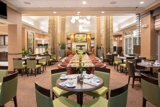 Hilton Garden Inn Salt Lake City/Layton: Garden Grille Restaurant Seating