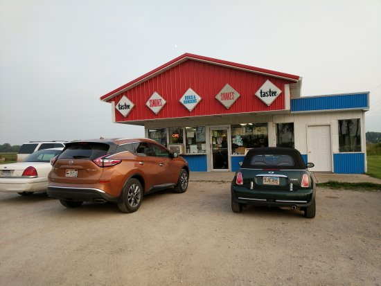 Barnesville, MN: Renee's Drive In
