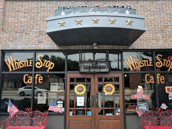 The Whistle Stop at The American Cafe': Front!