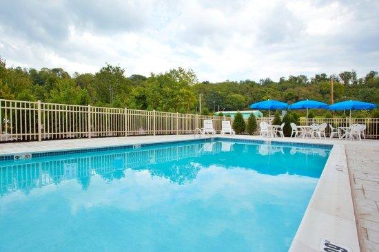 Bentleyville, Pensilvania: Swimming Pool