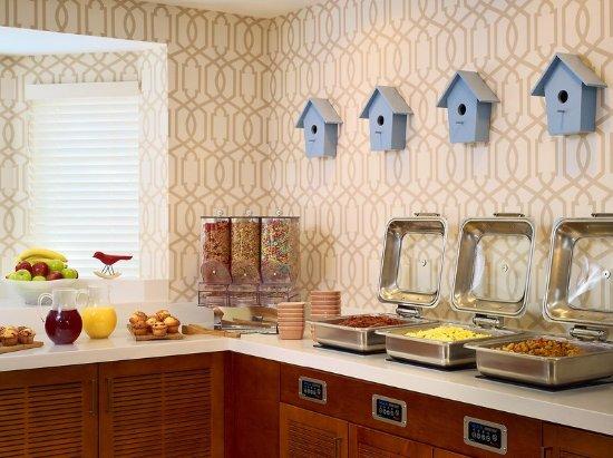 Sonesta ES Suites Parsippany: Complimentary Breakfast Buffet