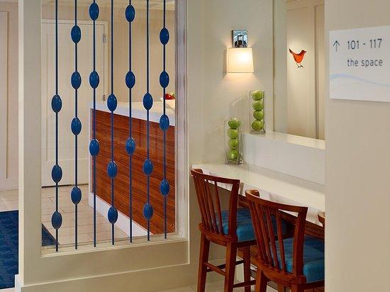 Sonesta ES Suites Parsippany: Front Desk