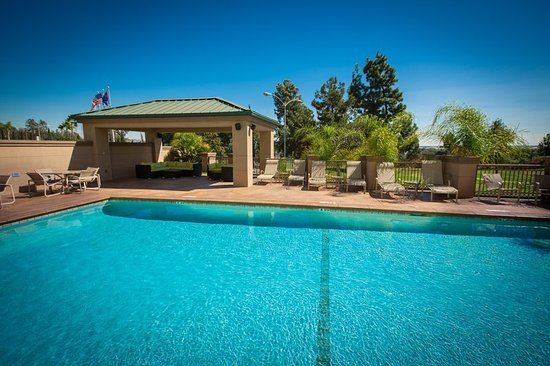 Montebello, CA: Outdoor Pool